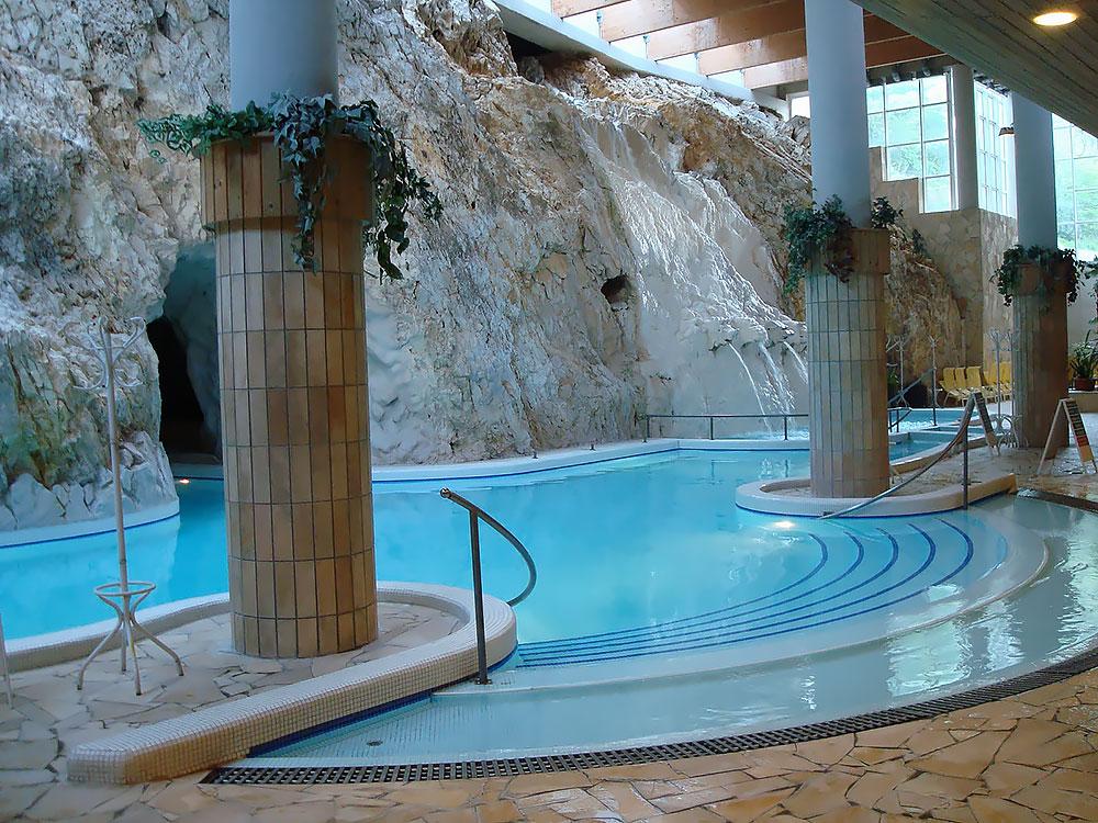 купальни Мишкольц-Тапольца, Венгрия