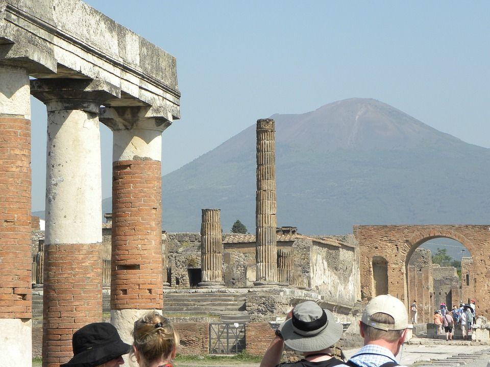 вулкан Везувій, Італія