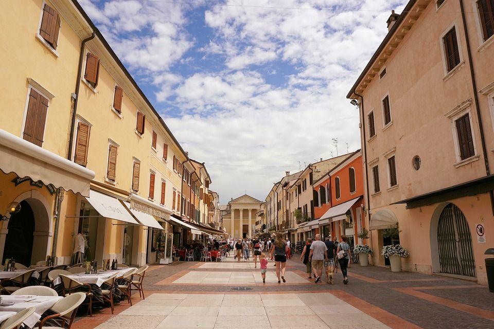 Бардоліно, Італія