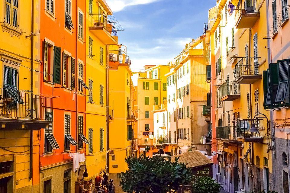 Манаролла, Італія