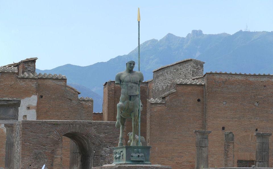Помпеї, Італія