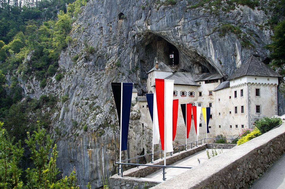 Постойна, Словенія