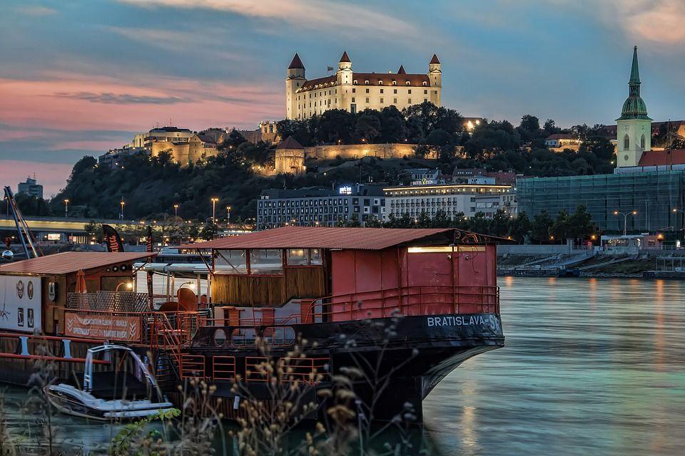 Братислава, Словаччина