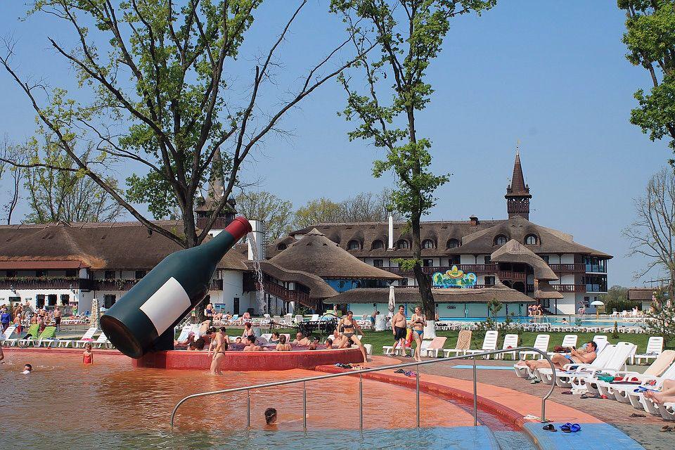 термальные воды Косино, Украина