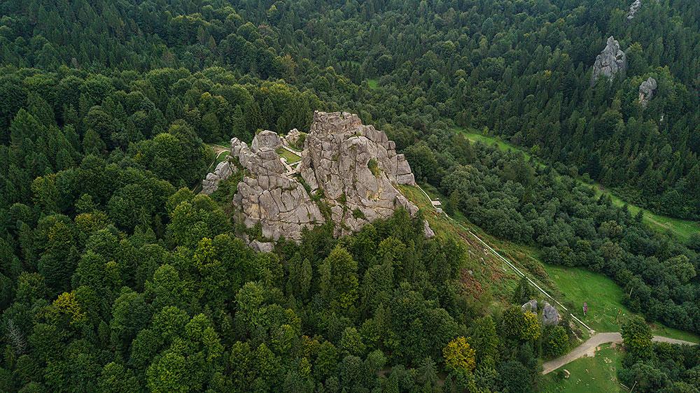 Тустань, Україна